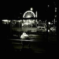 Hamburg Streetviews<br />1.12.2013, Hamburg<br />Copyright: Christian-Ditsch.de<br />[Inhaltsveraendernde Manipulation des Fotos nur nach ausdruecklicher Genehmigung des Fotografen. Vereinbarungen ueber Abtretung von Persoenlichkeitsrechten/Model Release der abgebildeten Person/Personen liegen nicht vor. NO MODEL RELEASE! Don't publish without copyright Christian-Ditsch.de, Veroeffentlichung nur mit Fotografennennung, sowie gegen Honorar, MwSt. und Beleg. Konto:, I N G - D i B a, IBAN DE58500105175400192269, BIC INGDDEFFXXX, Kontakt: post@christian-ditsch.de<br />Urhebervermerk wird gemaess Paragraph 13 UHG verlangt.]