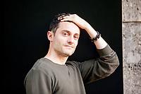 Jean-Baptiste Del Amo (born 25 November 1981 in Toulouse) is a French writer. Selected works[edit]. Une éducation libertine (2008). Jean-Baptiste Del Amo (il suo vero nome è Jean-Baptiste Garcia) è nato a Tolosa nel 1981. Paragonato a scrittori come Émile Zola, Honoré de Balzac. Milano, 5 ottobre 2017. © Leonardo Cendamo