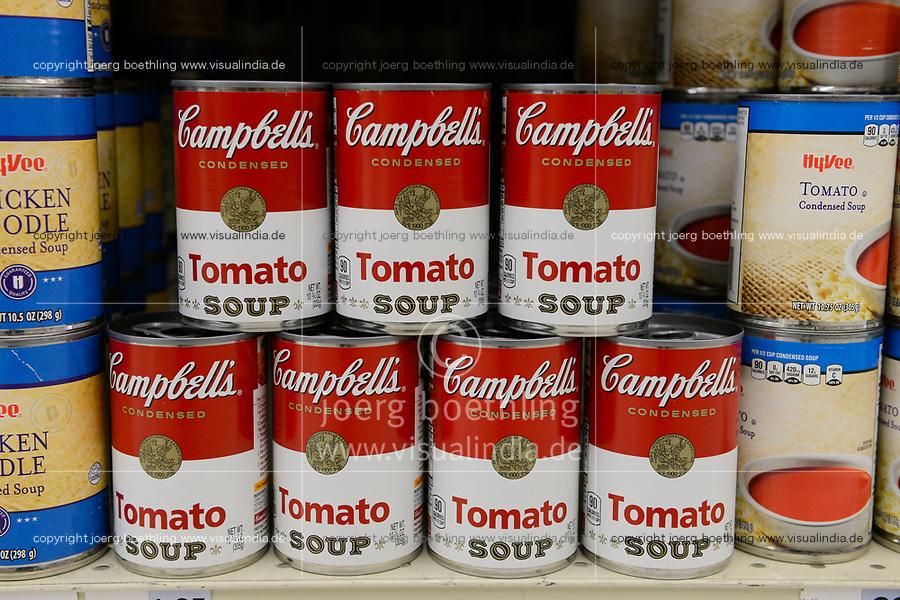 USA, Nebraska, Omaha, Hi-Vee Supermarket, Campbells Tomato Soup