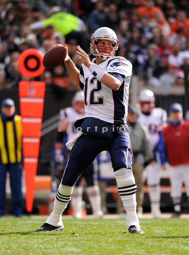 TOM BRADY, of the New England Patriots, in action during the Patriots game against the Cleveland Browns on November 7, 2010 at Cleveland Browns Stadium in Cleveland, Ohio.  ..The Browns beat the Patriots 34-14...