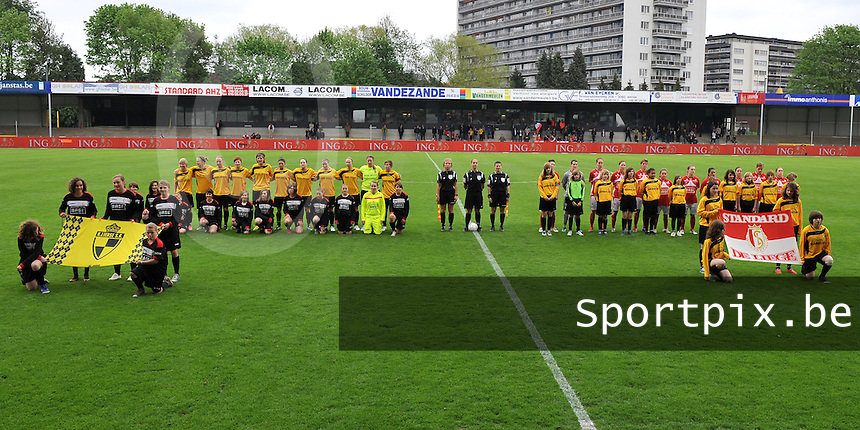 Bekerfinale 2012 : WD Lierse SK - Standard Femina :.bovenzicht van op den dreef met beide teams.foto David Catry / Joke Vuylsteke / Vrouwenteam.be
