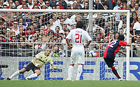 "milito rigore 2-0<br /> Genova 14/09/2008 Stadio ""Ferraris"" <br /> Calcio Serie A Tim 2008-2009 <br /> Genoa-Milan<br /> Foto Davide Elias Insidefoto"
