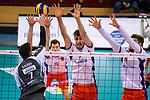 29.10.2017, Arena Kreis Dueren, Dueren<br />Volleyball, Bundesliga MŠnner / Maenner, Normalrunde, SWD powervolleys DŸren / Dueren vs. United Volleys RheinMain<br /><br />Block  / Dreierblock Patrick Steuerwald (#4 RheinMain), Tobias Krick (#11 RheinMain), Robert Adrian Aciobanitei (#6 RheinMain) - Angriff Romans Sauss (#7 Dueren)<br /><br />  Foto &copy; nordphoto / Kurth
