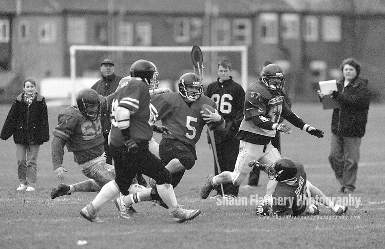 Pix: Shaun Flannery/shaunflanneryphotography.com<br /> <br /> COPYRIGHT PICTURE&gt;&gt;SHAUN FLANNERY&gt;01302-570814&gt;&gt;07778315553&gt;&gt;<br /> <br /> 20th March 1994<br /> South Yorkshire Jaguars v Crusaders<br /> American Football