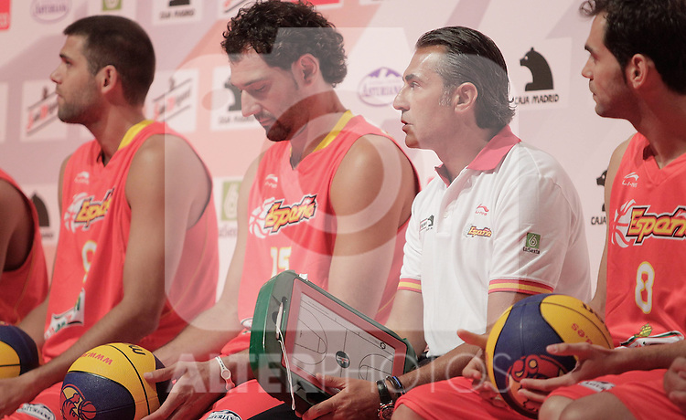 Spain's basket national team  during presentation for world championships. July 21, 2010. (ALTERPHOTOS/Alvaro Hernandez)Spain's basket national team coach Sergio Scariolo during presentation for world championships. July 21, 2010. (ALTERPHOTOS/Alvaro Hernandez)