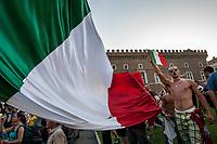 Roma, Luglio, 2006. Un tifoso fa il saluto romano durante i festeggiamenti per la vittoria dell'Italia ai campionati del mondo di calcio.