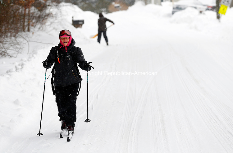 Middlebury, CT- 02 February 2015-020215CM03-  Karen Rotella of Middlebury, cross country skis to a store in Middlebury on Monday.  Christopher Massa Republican-American