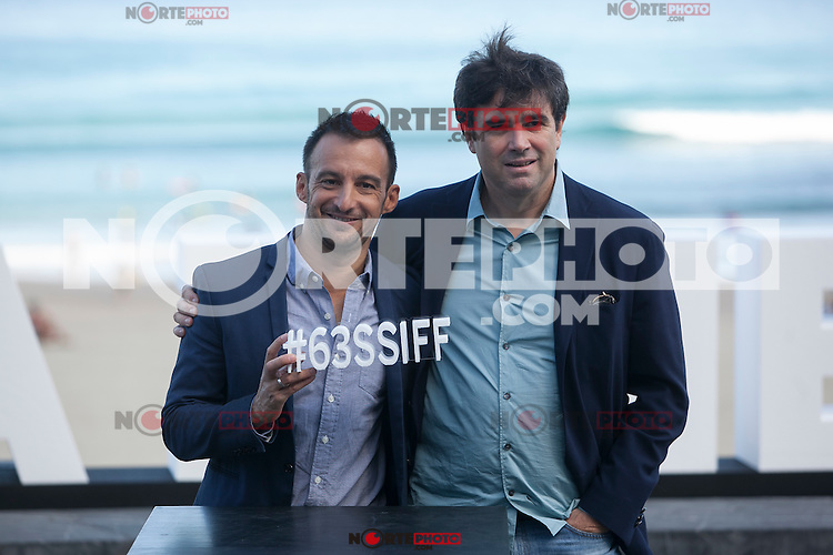 Movie director Alejandro Amenabar poses with his producer during `Regression´ film presentation at 63rd Donostia Zinemaldia (San Sebastian International Film Festival) in San Sebastian, Spain. September XX, 2015. (ALTERPHOTOS/Victor Blanco) /NortePhoto.com