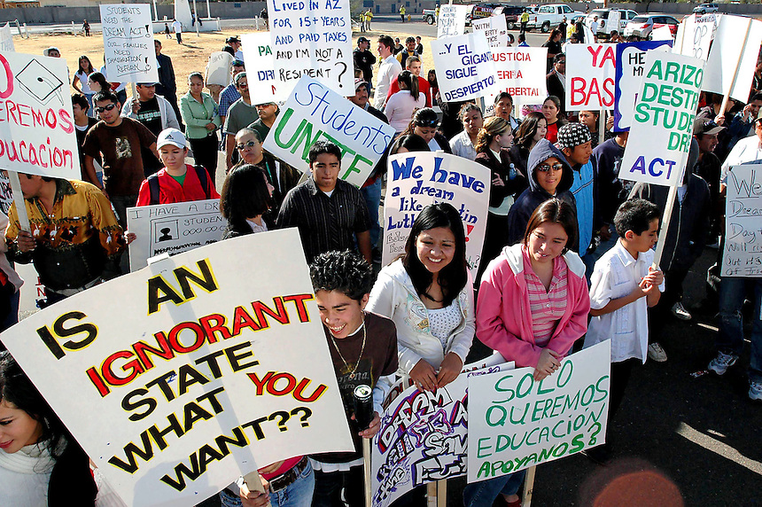 AJ Alexander/AJAimages 010807- Dream Act Students Rally in Glendale Arizona..Photo by AJ Alexander (c)