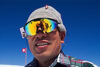 Japanischer Tourist auf dem Jungfraujoch, Berner Oberland, Schweiz, Unesco-Weltkulturerbe
