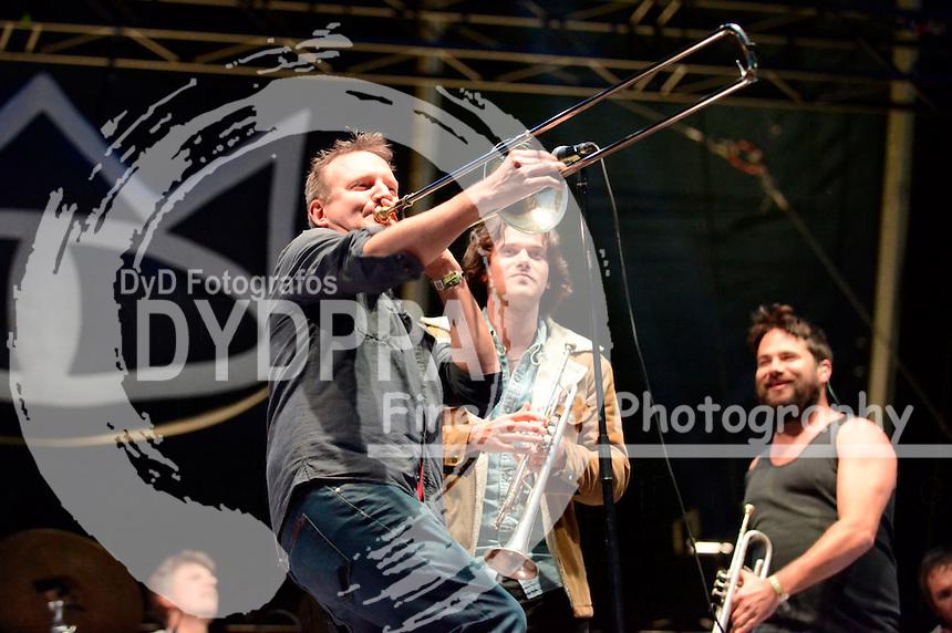 The Cat Empire live auf dem 19. Hurricane Festival 2015 am Eichenring. Scheeßel, 20.06.2015