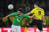 FUSSBALL   1. BUNDESLIGA   SAISON 2011/2012   23. SPIELTAG Borussia Dortmund - Hannover 96                        26.02.2012 Christian Schulz (li, Hannover 96) gegen Robert Lewandowski (re, Borussia Dortmund)