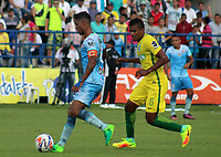 MONTERIA - COLOMBIA, 13-08-2017: Cesar Carrillo (Izq) jugador de Jaguares FC disputa el balón con Raul Loaiza (Der) jugador de Atlético Nacional durante partido por la fecha 7 de la Liga Aguila II 2017 jugado en el estadio Municipal de Monteria. / Cesar Carrillo (L) player of Jaguares FC vies for the ball with Raul Loaiza (R) player of Atletico Nacional during a match for the date 7 of the Liga Aguila II 2017 at the Municipal de Monteria Stadium in Monteria city. Photo: VizzorImage / Cont