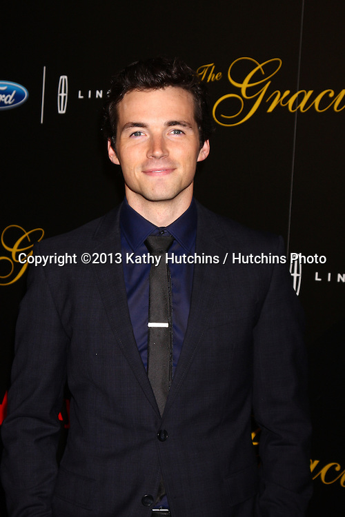 LOS ANGELES - MAY 21:  Ian Harding arrives at the 38th Annual Gracie Awards Gala at the Beverly Hilton Hotel on May 21, 2013 in Beverly Hills, CA