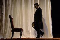 """BOGOTÁ-COLOMBIA-09-04-2014. Ensayo de la obra """"Tirano Banderas"""" de la compañia Proyectos Dos Orillas de España y Latinoamerica reallizado en el Teatro Libre de Chapinero y que forma parte de la programación del XIV Festival Iberoamericano de Teatro de Bogotá 2014./  Pre show of """"Tirano Banderas"""" of the company Proyectos Dos Orillas from España and Latinoamerica played at Teatro Libre of Chapinero as a part of  schedule of the XIV Ibero-American Theater Festival of Bogota 2014.  Photo: VizzorImage/ Diana Sanchez /Str"""