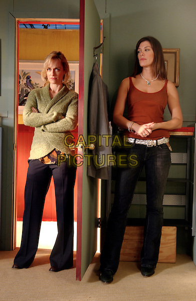 SARAH CLARKE & CAITLIN KEATS.in Women in Trouble .*Filmstill - Editorial Use Only*.CAP/FB.Supplied by Capital Pictures.