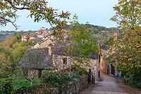 France, Aveyron, Najac, labelled Les Plus Beaux Villages de France (The Most Beautiful Villages of France), alleyway in medieval village // France, Aveyron (12), Najac, labellisé Les Plus Beaux Villages de France, ruelle dans le village médiéval