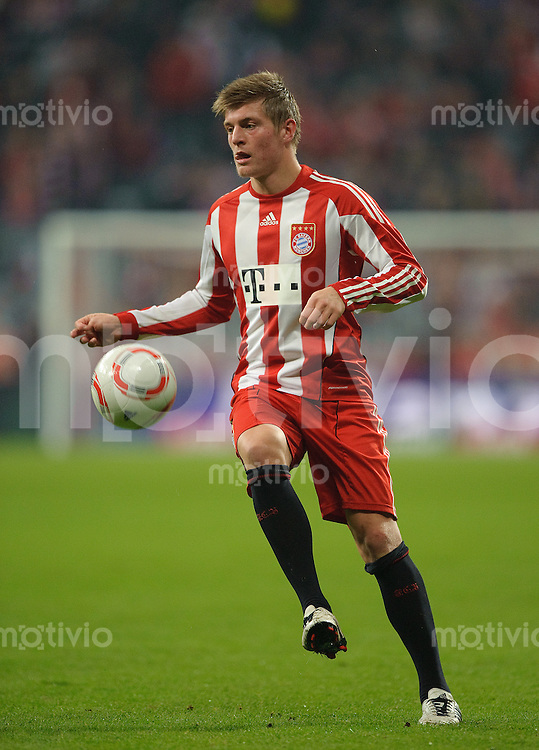 Fussball Bundesliga Saison 2010/2011 FC Bayern Muenchen - SC Freiburg Toni KROOS (FC Bayern).