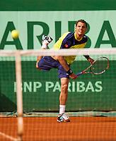 02-06-12, France, Paris, Tennis, Roland Garros, Paul-Henri Mathieu.