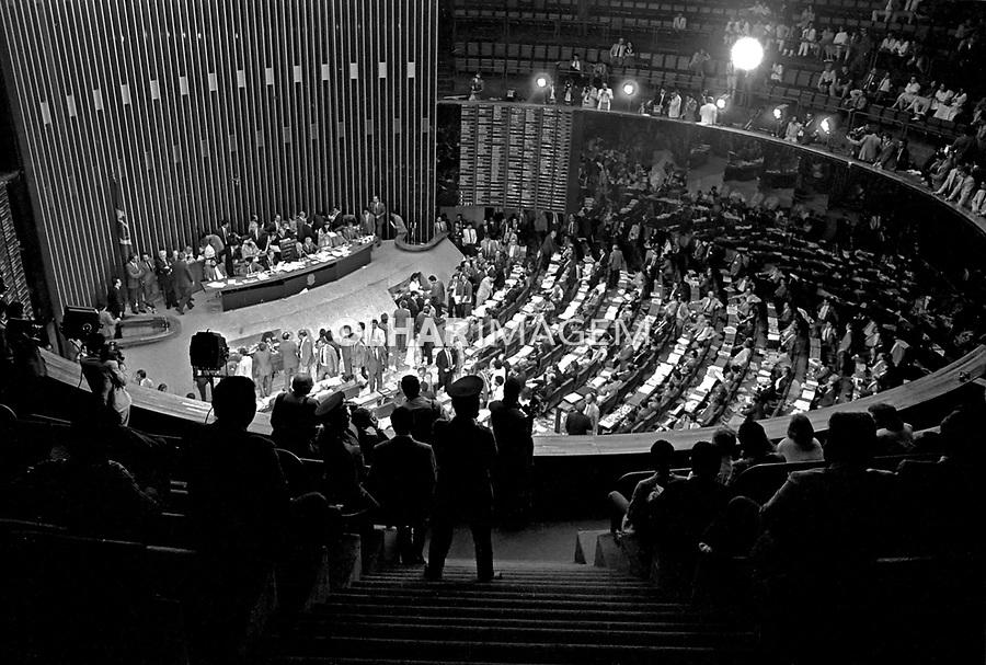 Votação da Assembleia Nacional Constituinte. Nova Constituição. Brasília. DF. 1988. Foto de Paula Simas.