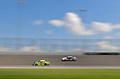 #19: Brandon Jones, Joe Gibbs Racing, Toyota Camry Toyota Menards Jeld-Wen, #22: Paul Menard, Team Penske, Ford Mustang Discount Tire