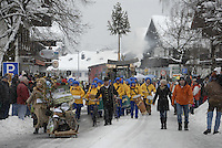 Deutschland, Bayern, Oberbayern, Chiemgau, Ruhpolding: Faschingszug 2009, findet nur alle 5 Jahre statt | Germany, Bavaria, Upper Bavaria, Chiegau, Ruhpolding: Carnival Parade 2009, celebrated every 5 years
