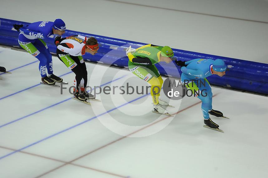 SCHAATSEN: HEERENVEEN: 25-10-2014, IJsstadion Thialf, Marathonschaatsen, KPN Marathon Cup 2, Erik Jan Kooiman (#37), Sam Boon (#12), Crispijn Ariens (#88), Bob de Vries (#1), ©foto Martin de Jong