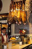 Europe/Espagne/Castille/Madrid : Taverne del Alabardero N°6 rue Felipe V
