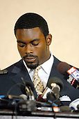 Richmond, VA - August 27, 2007 -- Michael Vick makes a statement to the media after pleading guilty on federal charges related to dog fighting..Credit: Ron Sachs / CNP