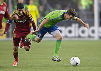 SEATTLE WASHINGTON - Friday, November 2, 2012: The Seattle Sounders FC in an MLS playoff match against the Real Salt Lake on XBox Pitch at CenturyLink Field. The match ended in a scoreless draw.