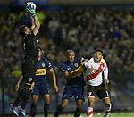 Boca Junior derrota a River Plate 2-0 en el clasico Argentino  en la cancha de la Bombonera