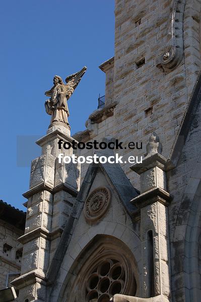 detail of the facade of the parish church Saint Bartholomew (cast.: San Bartolom&eacute;, cat.: Sant Bartomeu), designed by Joan Rubi&oacute; i Bellver in 1904<br /> <br /> detalle de la fachada modernista de la iglesia parroquial de San Bartolom&eacute; (cat.: Sant Bartomeu), dise&ntilde;ada de Joan Rubi&oacute; i Bellver en 1904<br /> <br /> Detail der Jugendstil-Fassade der Pfarrkirche San Bartolom&eacute; (kat.: Sant Bartomeu), 1904 von Joan Rubi&oacute; i Bellver entworfen<br /> <br /> 3008 x 2000 px