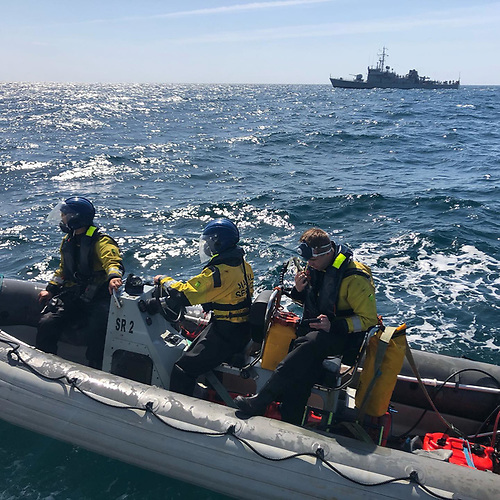 Naval Service RIB sets out to return to her ship after a further check on Saoirse