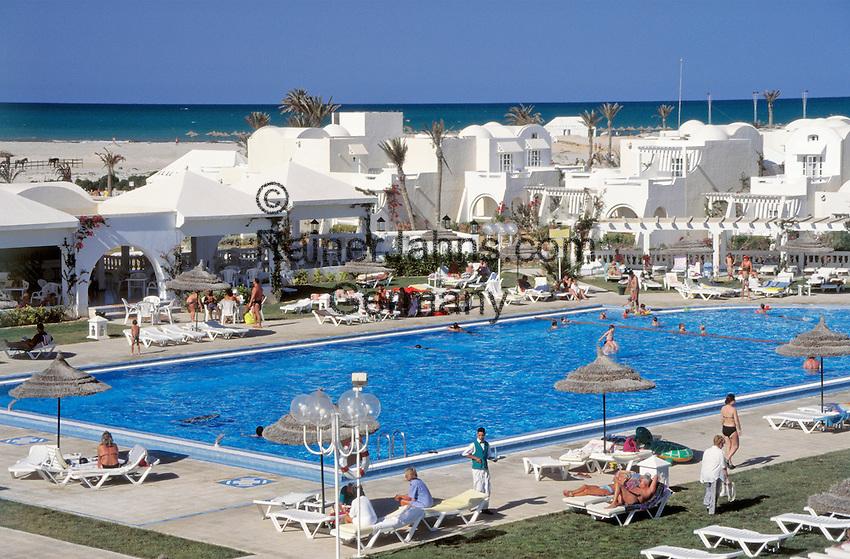 Tunisia, Djerba: resort Hotel Djerba Palace, swimming pool