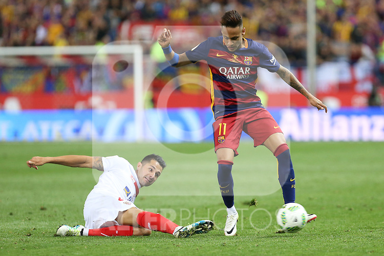 FC Barcelona's Neymar Junior (R) and Sevilla CF's Vitolo (L)  during Spanish Kings Cup Final match. May 22,2016. (ALTERPHOTOS/Rodrigo Jimenez)