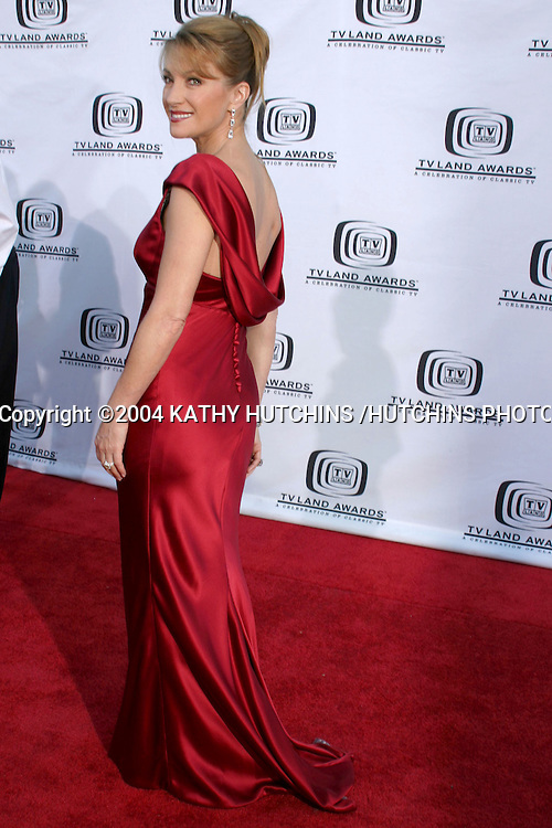 ©2004 KATHY HUTCHINS /HUTCHINS PHOTO.TV LAND AWARDS.HOLLYWOOD, CA.MARCH 7, 2004..JANE SEYMOUR