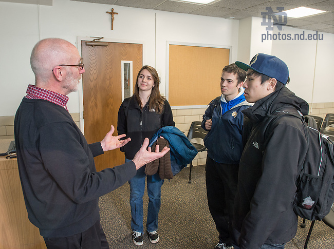 "Feb. 17, 2015; Kroc Institute professor Patrick Regan teaches undergraduate ""Issues in Global Politics"" course. (Photo by Matt Cashore/University of Notre Dame)"