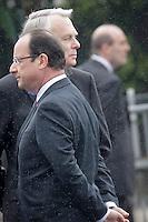 Jean-Marc Ayrault, Premier ministre et François Hollande, président de la République participent  aux cérémonies du 68ème anniversaire de la Victoire du 8 mai 1945 sur les Champs Elysées à Paris, mercredi 8 mai 2013 - 2013©Jean-Claude Coutausse / french-politics pour Le Monde