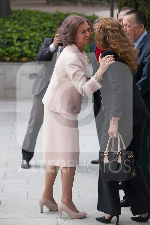 Queen Sofia of Spain greets Enfant Elena de Borbon during the Mapfre Foundation Social Awards ceremony at Mapfre Campus in Madrid, Spain. May 20, 2014. (ALTERPHOTOS/Victor Blanco)