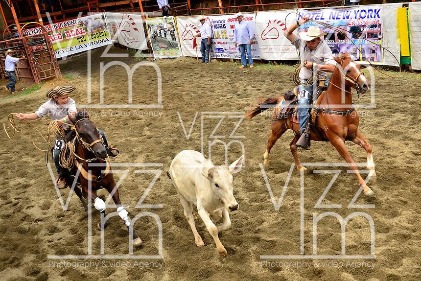 BALBOA -  RISARALDA - 24-03-2013. En La finca Caqueta del municipio de Balboa en el departamento de Risaralda, se reunieron de 8 departamentos del país cerca de 100 vaqueros en la Quinta versión del Encuentro Nacional de Vaquería. (FOTO VizzorImage / STR). In the farm Caqueta in the county of Balboa in the department of Risaralda, gathered from 8 departments about 100 cowboys in the Fifth National Meeting version Vaquería. (VizzorImage PHOTO / STR)