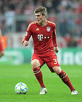 FUSSBALL   CHAMPIONS LEAGUE   SAISON 2011/2012   ACHTELFINALE RUECKSPIEL     13.03.2012 FC Bayern Muenchen - FC Basel        Toni Kroos (FC Bayern Muenchen) am Ball