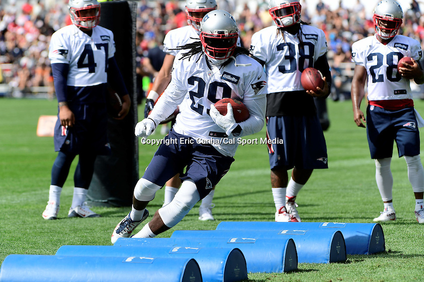 Wednesday, August 17, 2016: New England Patriots running back LeGarrette Blount (29) runs through obstacles at a joint training camp session between the Chicago Bears and the New England Patriots held at Gillette Stadium in Foxborough Massachusetts. Eric Canha/CSM
