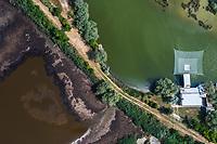Vedute aeree di Marina di Ravenna. Capanni da pesca.