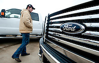 Carl Tanner (cq) checks out a new F250 Ford truck at Bankston Ford in Frisco, Texas, Thursday, Jan., 28, 2009. Ford reported gains in earnings for the first time in four years...PHOTOS/ Matt Nager