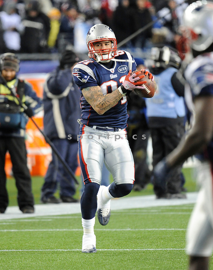 AARON HERNANDEZ, of the New England Patriots, in action during the Patriots game against the Denver Broncos on January 14, 2012 at Gillette Stadium in Foxborough, MA. The Patriots beat the Broncos 45-10.