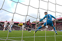 Callum Wilson of AFC Bournemouth middle smashes his shot past David De Gea of Manchester United for the first goal  during AFC Bournemouth vs Manchester United, Premier League Football at the Vitality Stadium on 3rd November 2018