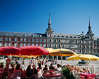Spanien, Madrid: Cafes auf der Plaza Mayor | Spain, Madrid: Cafes at square Plaza Mayor