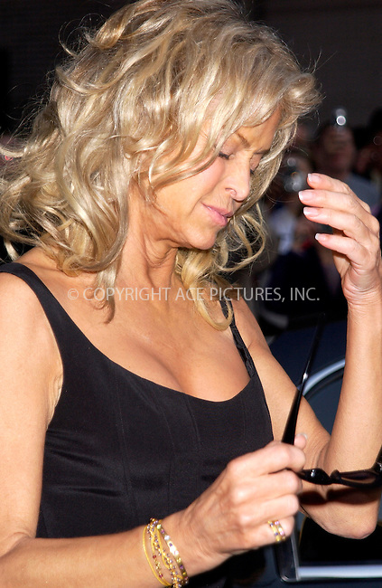 WWW.ACEPIXS.COM . . . . . ....NEW YORK, APRIL 6, 2005....Farrah Fawcett arrives for an appearance on The Late Show with David Letterman.....Please byline: KRISTIN CALLAHAN - ACE PICTURES.. . . . . . ..Ace Pictures, Inc:  ..Craig Ashby (212) 243-8787..e-mail: picturedesk@acepixs.com..web: http://www.acepixs.com