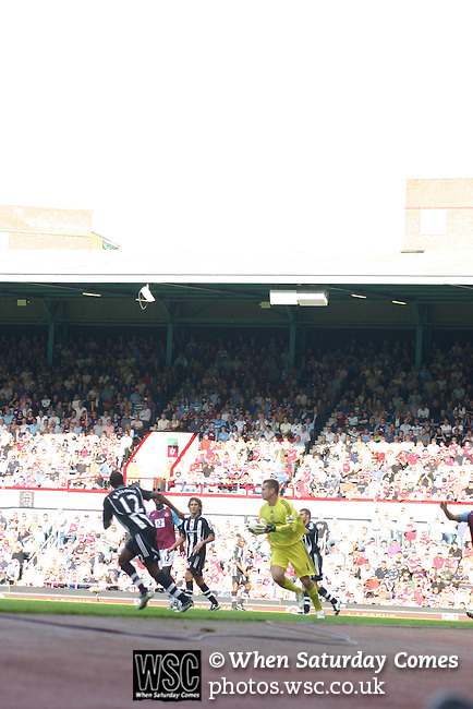 West Ham United 3 Newcastle United 1, 20/09/2008. Upton Park, The Boleyn Ground, Premier League. Photo by Tony Davis.