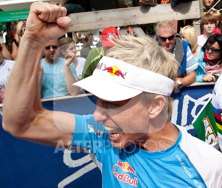 11.09.2010, Lienz, AUT, Redbull Dolomitenmann 2010, im Bild Bergläufer Markus Kröll, AUT, Team Red Bull Team freud sich über den 2. Gesamtrang.  Foto: nph /  J. Groder